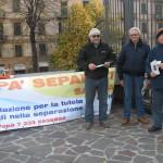2009 20 novembre Volantinaggio davanti al tribunale 2