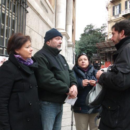 16 dicembre 2011 Presidio davanti alla Prefettura di Genova 4