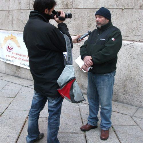 16 dicembre 2011 Presidio davanti alla Prefettura di Genova 1